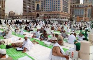 Umat Islam menjalani ibadah puasa Ramadhan dalam suhu panas, 450C tahun lalu. - AGENSI
